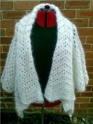 Free Crochet Cardi Wrap Pattern : Heidis Crochet Scrapbook / Haw Frost Shawl Cardigan
